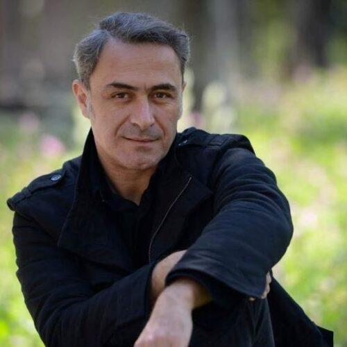 Θανάσης Κουρλαμπάς: «Όταν η ευγένεια συναντά το πάθος στο θέατρο» - Συνέντευξη στον 'Αρη Ορφανίδη