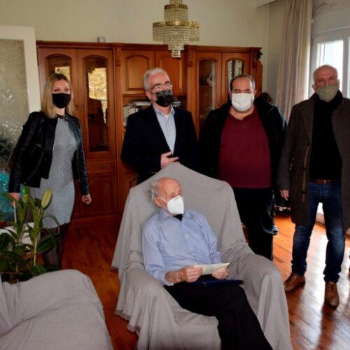Ο Δικηγορικός Σύλλογος Βέροιαςτίμησε τον 104χρονο αγωνιστή Ιωάννη Κοζάρτση που πολέμησε κατά των Γερμανών στα οχυρά Ρούπελ