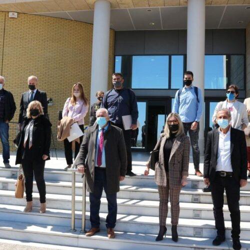 """Δικηγορικός Σύλλογος Βέροιας -  Συμβολική Διαμαρτυρία στο Δικαστικό Μέγαρο: """"Τα ζητήματά  μας δεν είναι μόνο κλαδικά, αφορούν και τον κόσμο"""""""