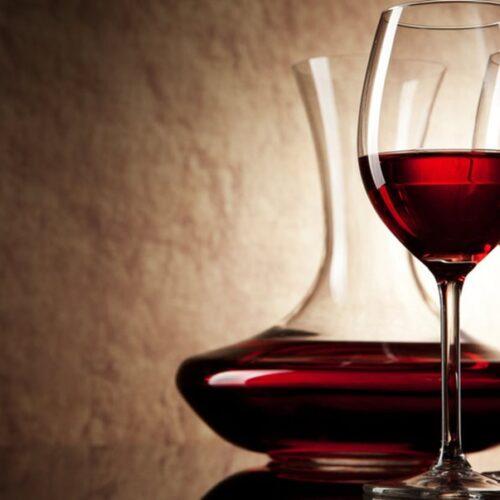 Έρευνα: Το δημοφιλές ποτό που αποτρέπει την εξέλιξη του καταρράκτη και σώζει την όραση