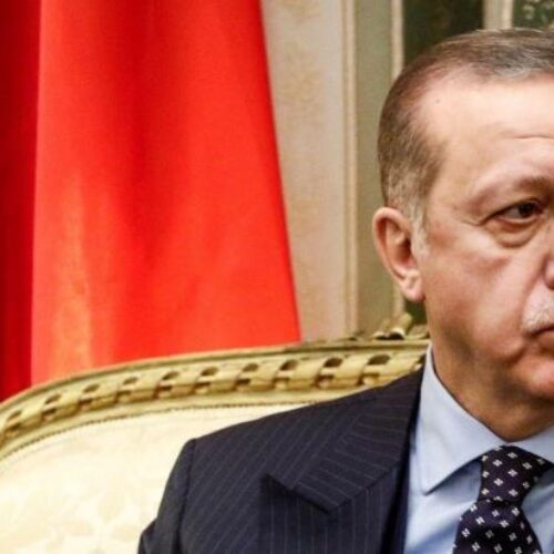 Απόστρατοι ναύαρχοι κατηγορούν τον Ερντογάν για προσπάθεια ισλαμοποίησης του στρατού