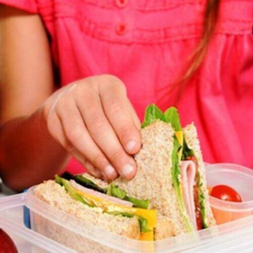 Υπ. Εργασίας: Αυξάνουμε κατά 15% τον προϋπολογισμό των σχολικών γευμάτων - Στο πρόγραμμα εντάσσεται και ο Δήμος Νάουσας