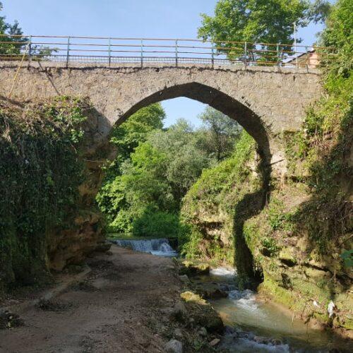 Δήμος Βέροιας: Οπτική ανάδειξη της Γέφυρας Καραχμέτ μετά τον καθαρισμό βλάστησης