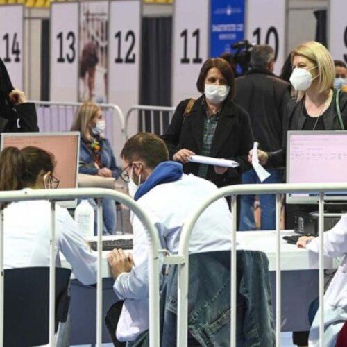 Σερβία: Προσφέρουν κίνητρα στους πολίτες για να εμβολιαστούν / Από χρήματα μέχρι και... αρνί σούβλας!