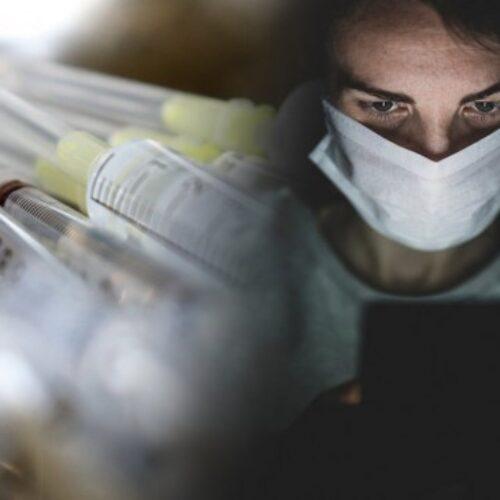 Καμία αλλαγή στα ηλικιακά όρια για το AstraZeneca - Ανοίγει η πλατφόρμα για όλα τα εμβόλια για ηλικίες 30-34 ετών