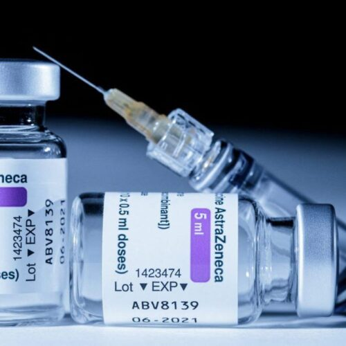 Βατόπουλος για AstraZeneca: Γιατί σταματάει η χορήγηση στους κάτω των 60 / Χαμηλή πιθανότητα θρόμβωσης στη 2η δόση