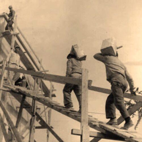 """Ναζίμ Χικμέτ """"Τραγουδάνε οι χτίστες / Μες στον ιδρώτα και στο αίμα"""""""