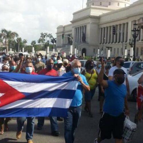 Εργατικό Κέντρο Νάουσας: Αλληλεγγύη στο λαό της Κούβας