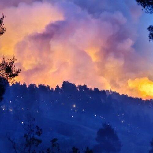 Μαίνεται ηφωτιάστη βόρειαΕύβοια / 112: Εκκενώστε τώρα Ασμήνιο