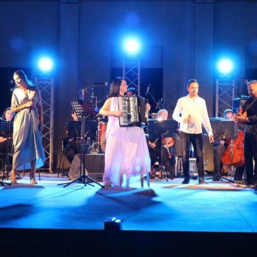 Βέροια Εύηχη Πόλη: Η Ζωή Τηγανούρια στο Άλσοςμε το ακορντεόν της σ' ένα μουσικό ψηφιδωτό