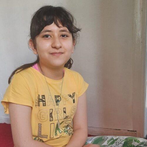 Από τη Μόρια και το 6ο Γυμνάσιο Μυτιλήνης στη Βοστώνη με υποτροφία μια 12χρονη Αφγανή πρόσφυγας
