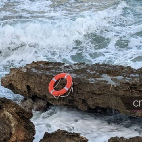 Κρήτη: Παππούς πνίγηκε σώζοντας τα εγγόνια του (photos / videos)