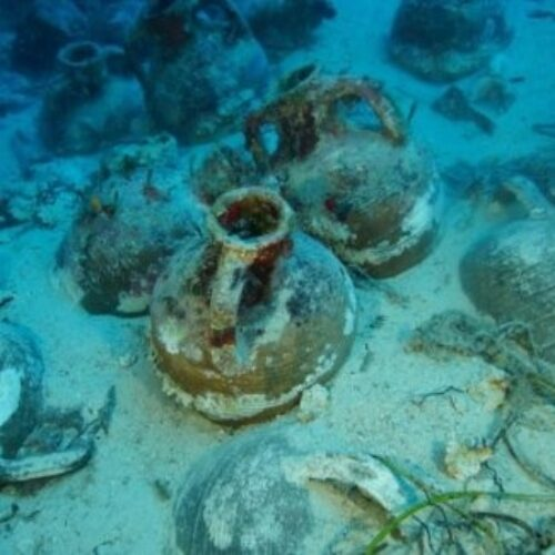 Ιταλία -  Η ανάσυρση αρχαίων ελληνικών κεραμικών από ναυάγιο του 7ου π.Χ αιώνα