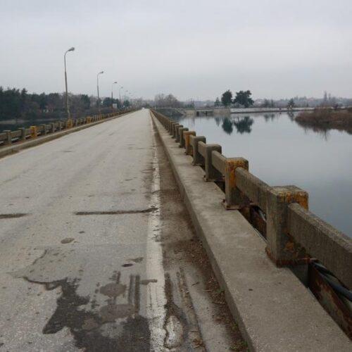 Βέροια: Διαγραμμίσεις και σημάνσεις - Δρόμος για το Σέλι και γέφυρα του Αλιάκμονα